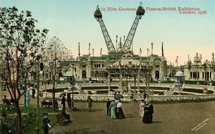 In_Elite_Gardens,_Franco-British_Exhibition.jpg