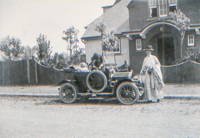 Alys Dennis Eva Craven Cottage Southwold 1911 The Swift