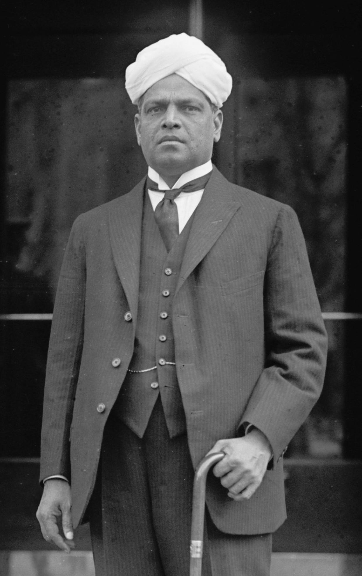 VS_Srinivasa_Sastri_1921b